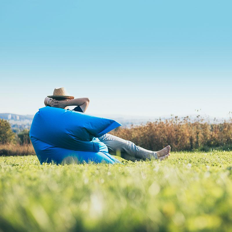Agenturalltag: Einfach mal blau machen im Sitzsack im Lemgoer Staffpark